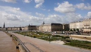 bordeaux-quai-place-balade
