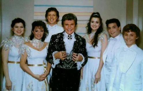 Liberace&Pianists.backstage