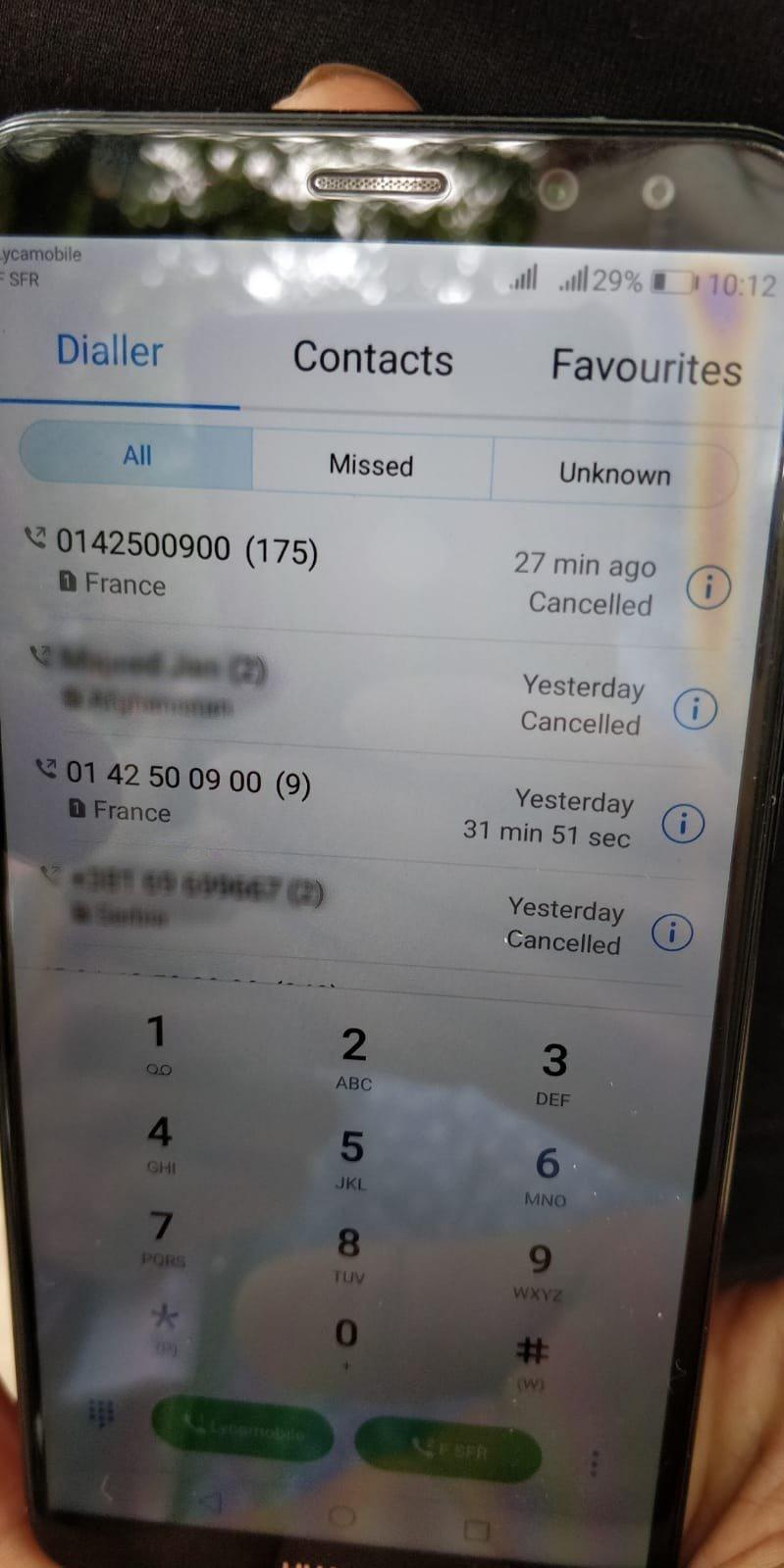 Un migrant afghan a essayé de joindre la plateforme téléphonique de l'Ofii 175 fois, sans succès. Crédit : InfoMigrants