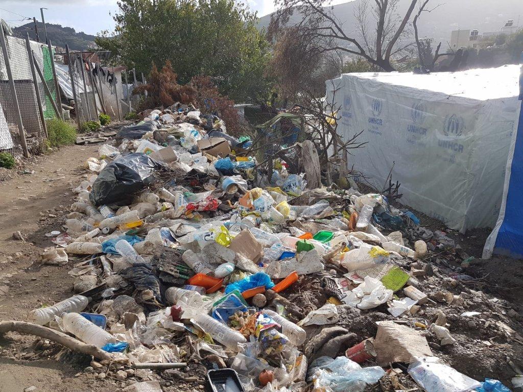 Les déchets dans le camp de Samos, en décembre 2019. Crédit : InfoMigrants