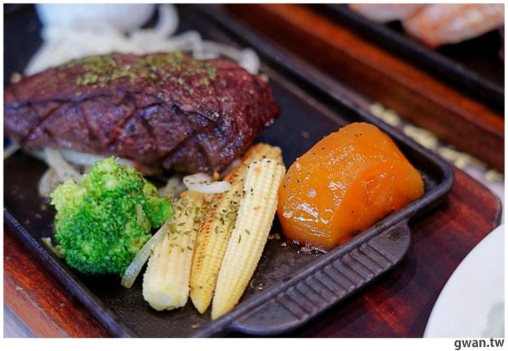 20201110144719 3 - 熱血採訪|台中霸氣牛排館,排餐最低290元起,滿滿牛肉塊羅宋湯免費喝到飽!