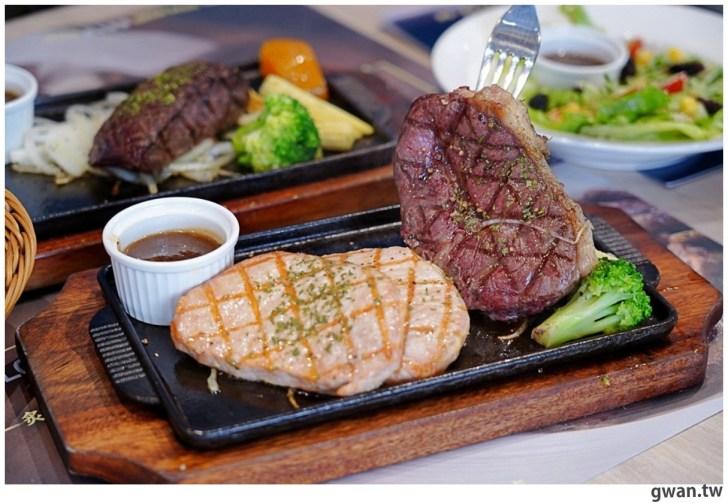 20201110144723 78 - 熱血採訪|台中霸氣牛排館,排餐最低290元起,滿滿牛肉塊羅宋湯免費喝到飽!