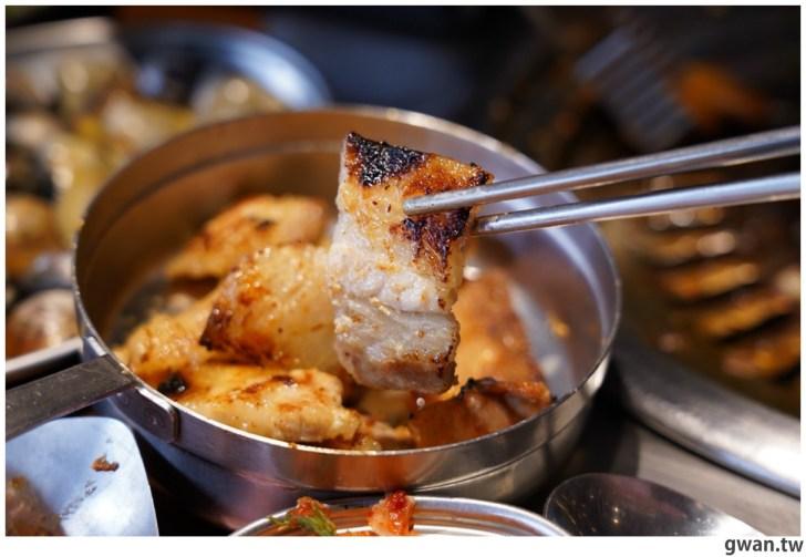 20210122144728 56 - 熱血採訪|台中烤肉火鍋吃到飽,平日午餐學生只要399,用餐時間人潮滿滿!