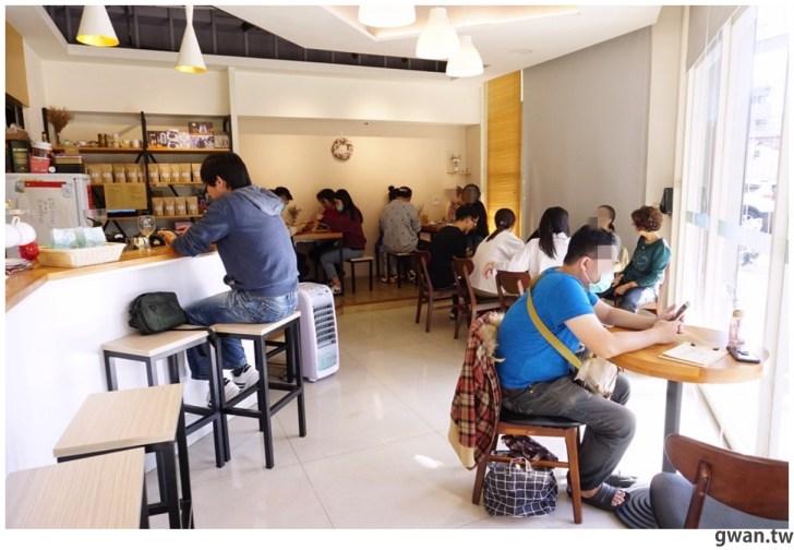 20210214003823 62 - 藏在住宅區裡的咖啡館,水果千層好吸睛,聽說芋泥更厲害!