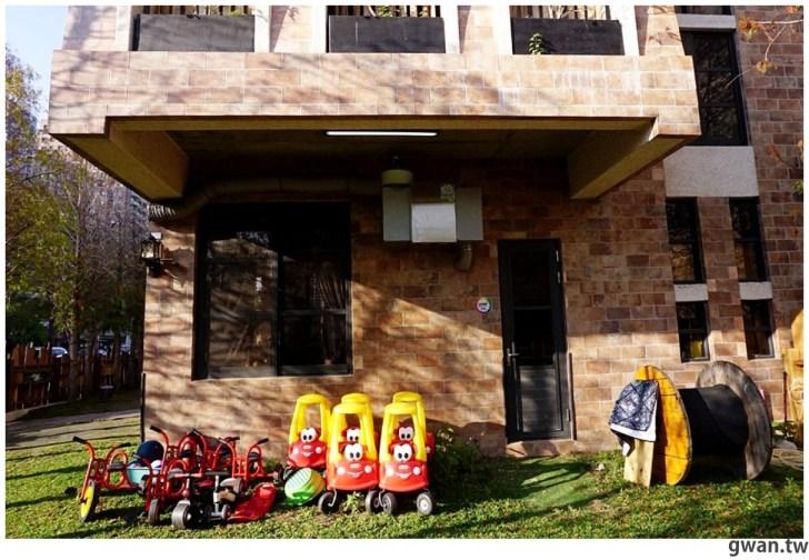 20210216185654 76 - 讓人想返老還童的幼兒園!絕美英式建築像哈利波特的城堡~