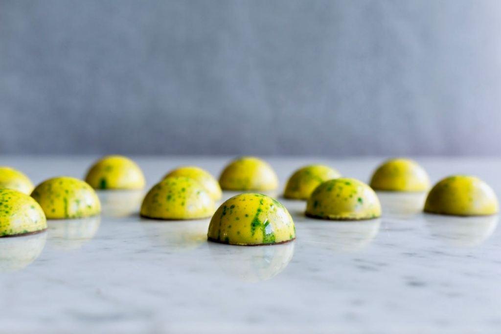 Chocolade bonbons met thijm en citroen - Gwenn's Bakery