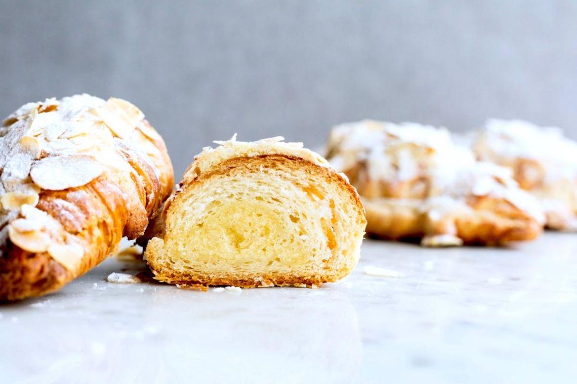 Amandelcroissants - Gwenn's Bakery
