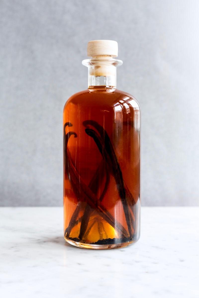 Vanille-extract maken (basisrecept) - Gwenn's Bakery