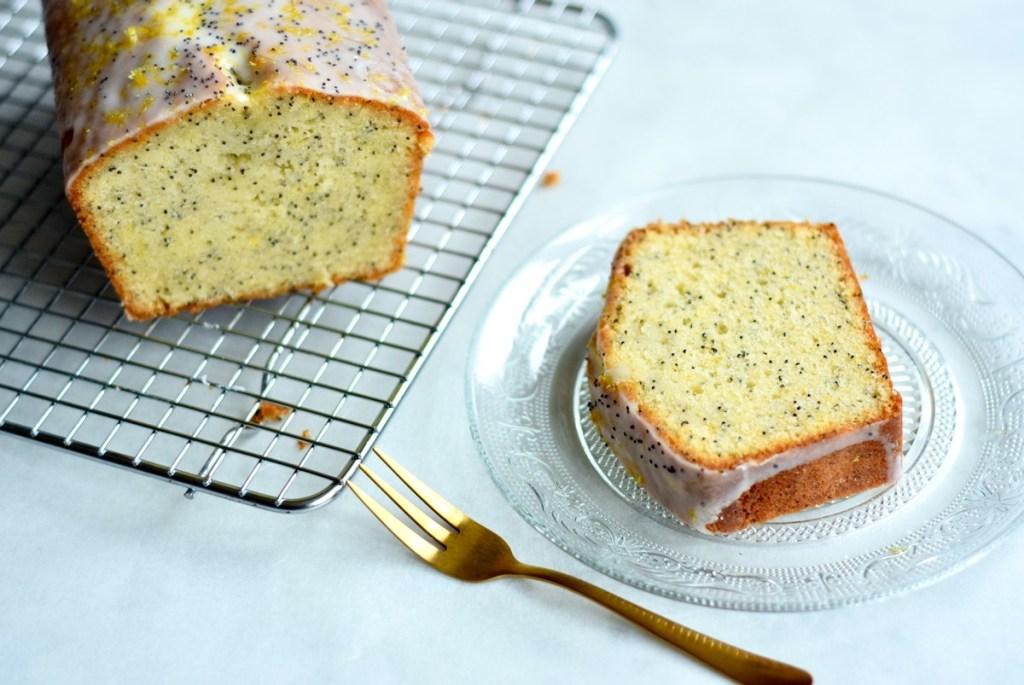 Citroen Maanzaad Cake - Gwenn's Bakery