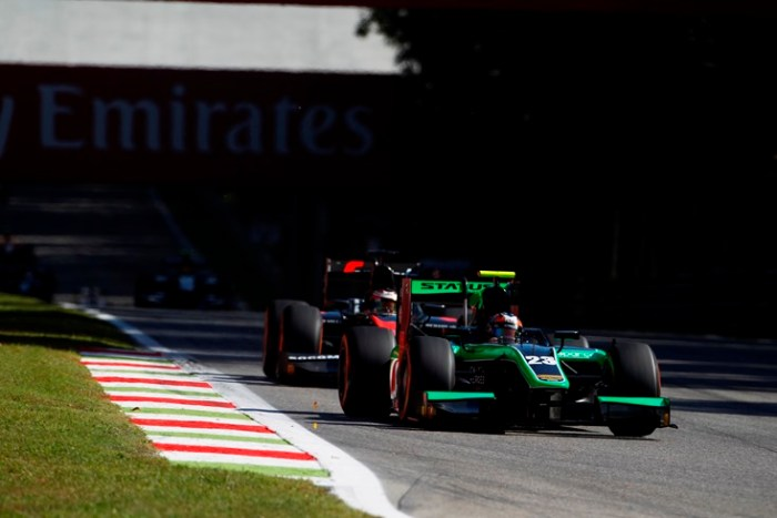 2015 GP2 Series Round 8. Autodromo di Monza, Italy. Sunday 6 September 2015. Richie Stanaway (NZL, Status Grand Prix) leads Stoffel Vandoorne (BEL, ART Grand Prix)  Photo: Sam Bloxham/GP2 Series Media Service. ref: Digital Image _G7C1918