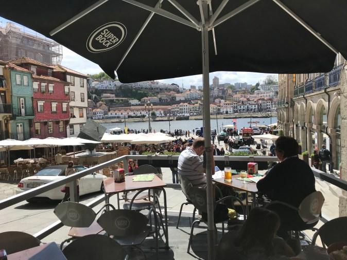 cafe med utsikt mot Douro