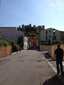 Soave med borgen i bakgrunden