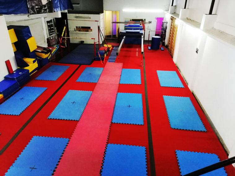 Área de Pista acrobática en Gym Center