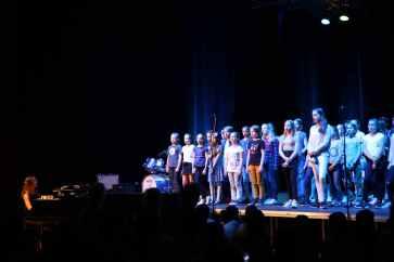 08 Chor mit How far I ll go aus Valana