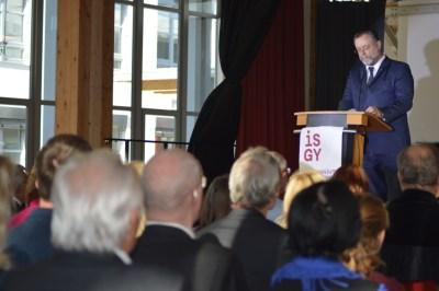 Erster Bürgermeister Dr. Alexander Greulich spricht sein Grußwort