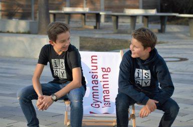T-Shirt schwarz _ Kapuzenpulli navy