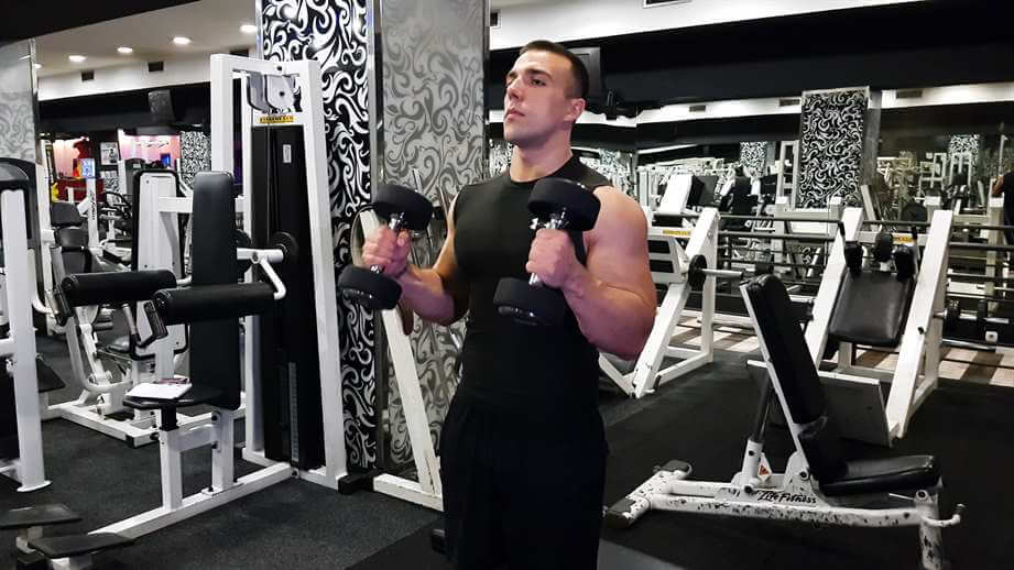 Read more about the article Standing Hammer Curl