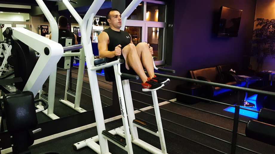 Roman Chair Leg Raises
