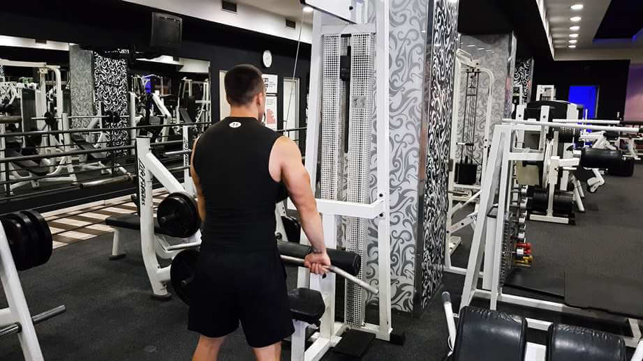 Straight-Arm Lat Pulldowns