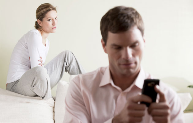 7-obvious-clues-of-a-cheating-partner-3