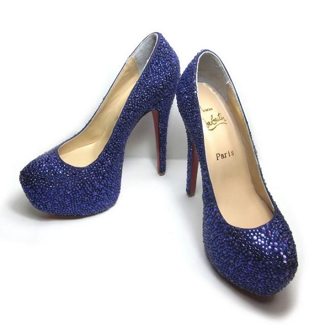 Μερικοί άνθρωποι είναι σαν τα παπούτσια… όσο πιο φτηνοί είναι, τόσο πιο πολύ θόρυβο κάνουν!