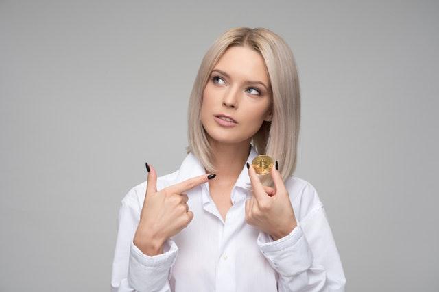 Πόσο αγαπάνε οι γυναίκες το χρήμα;