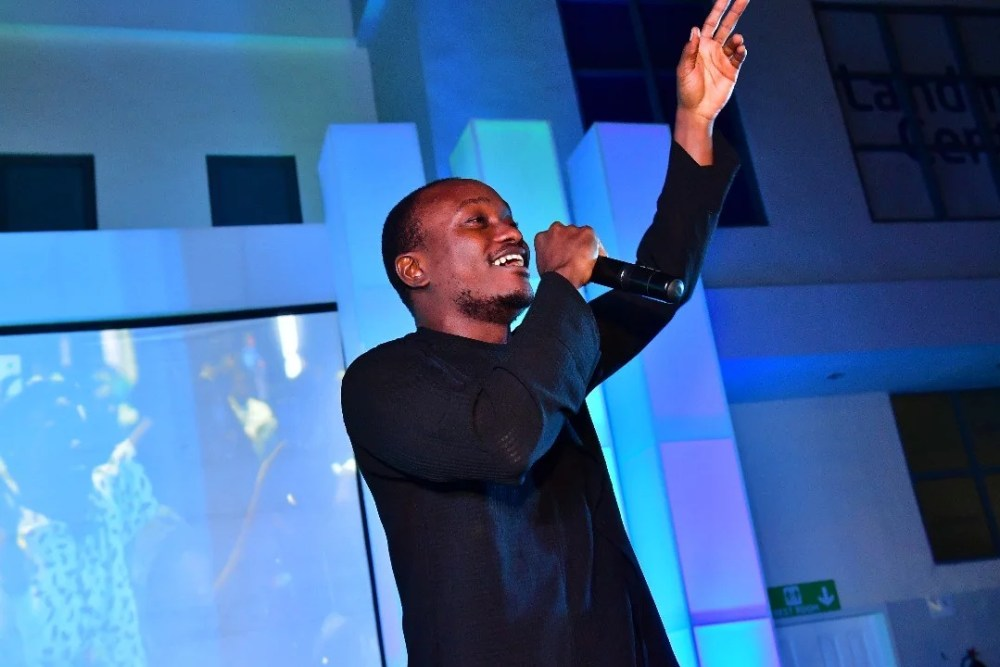 Brymo at NecLive6