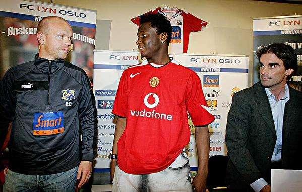 Mikel Obi Wears Man U Shirt