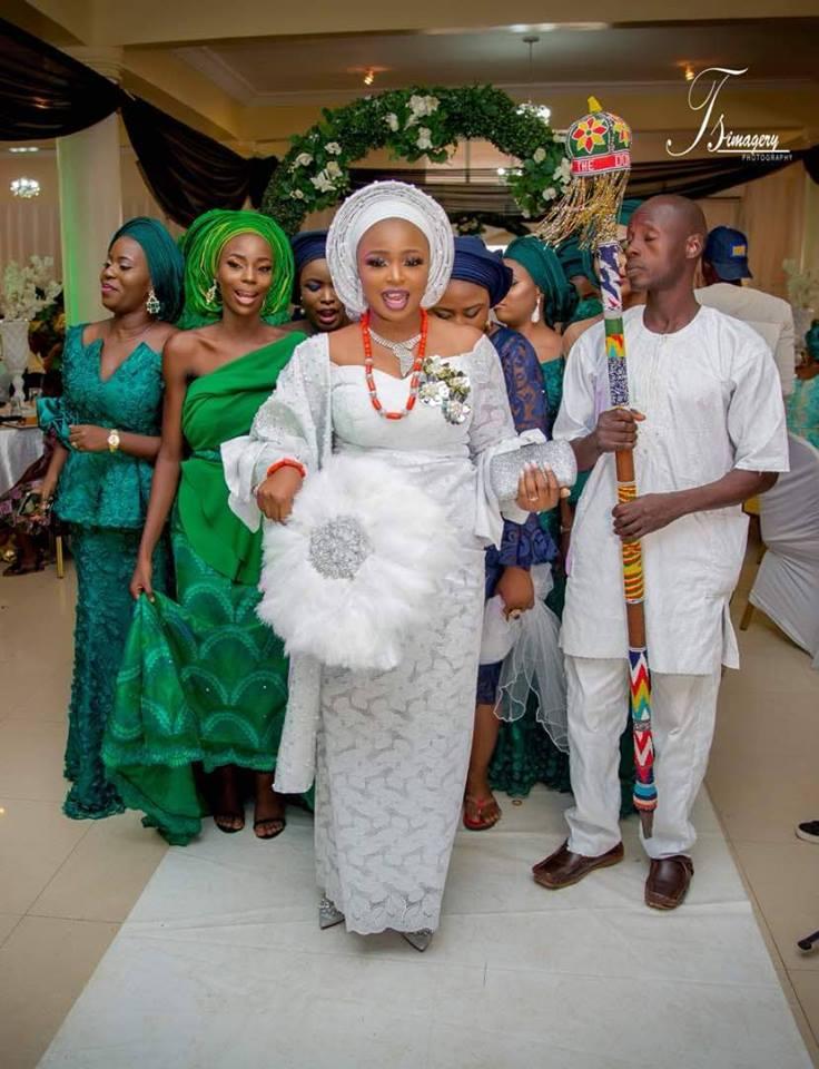 Biola and Gbemi Weds In Ibadan 01
