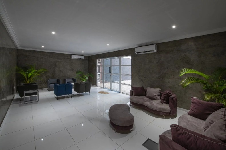 Inside View of Dare Art Alade Deola Art Alade Livespot Multi Million Dollar Office In Lagos 10