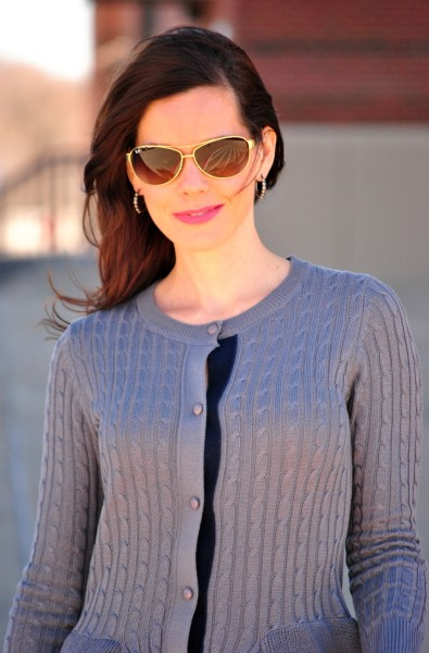 peplum-sweater-ray-bans-close