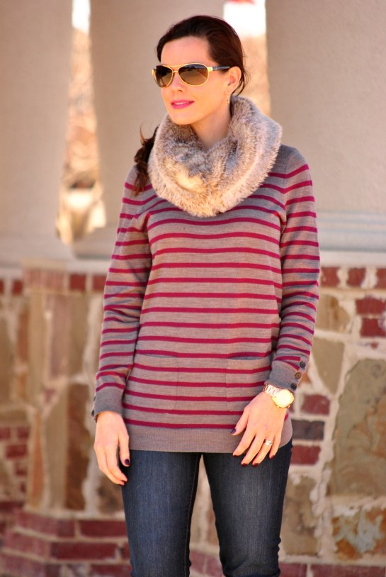 striped-sweater-skinny-jeans-fur-scarf
