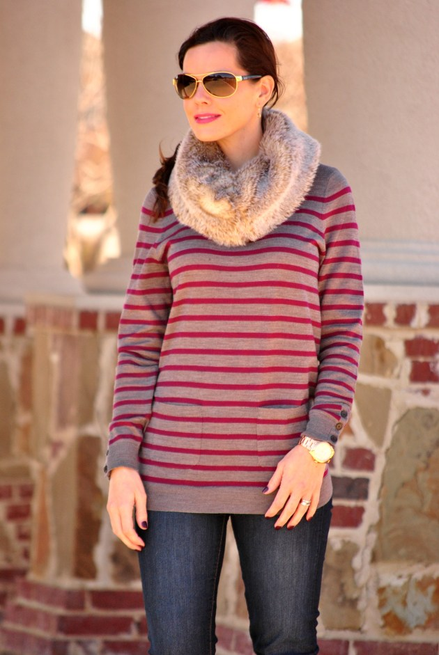 striped-sweater-skinny-jeans-fur-scarf