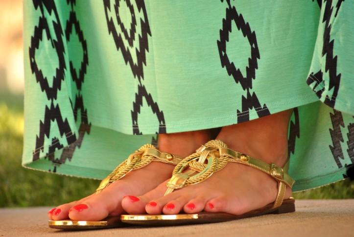 maxi-dress-sandals