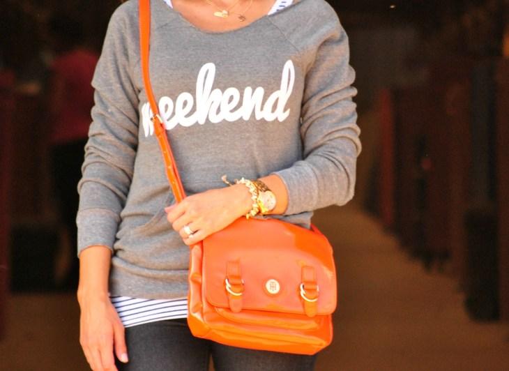 sweatshirt-orange-purse
