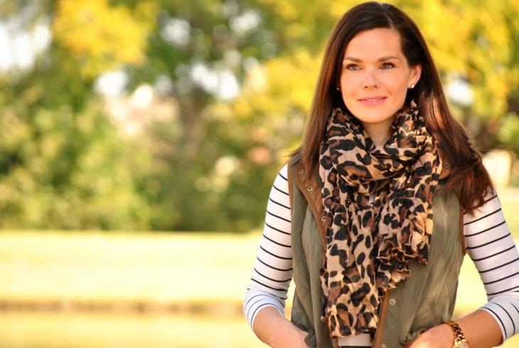 olive-puffer-vest-leopard-scarf
