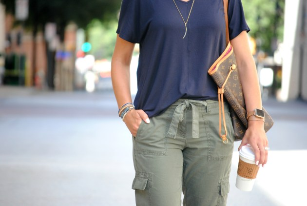 olive-joggers-outfit-4