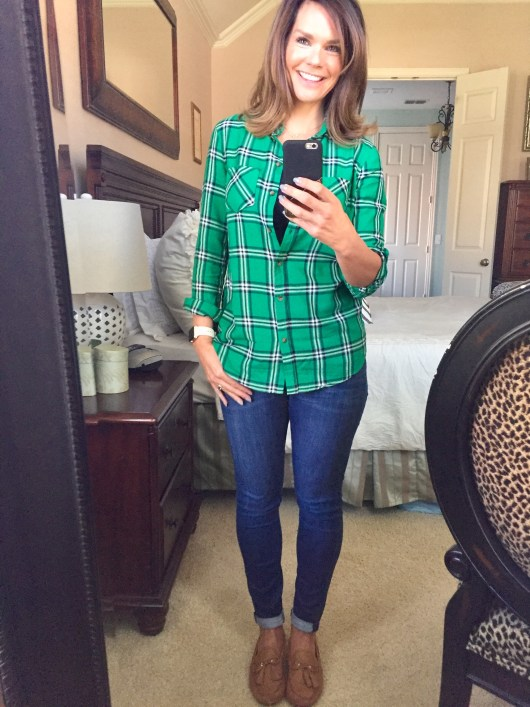 fall-outfit-mom-plaid-shirt