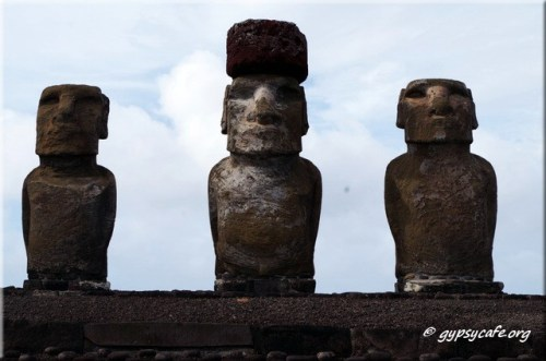 3 Tongariki Moai close-up - Rapa Nui