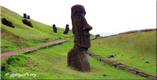 Moai Paths at Rano Raraki - Rapa Nui