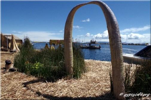5. Arch 1 - Uros Island - Lake Titicaca - Peru