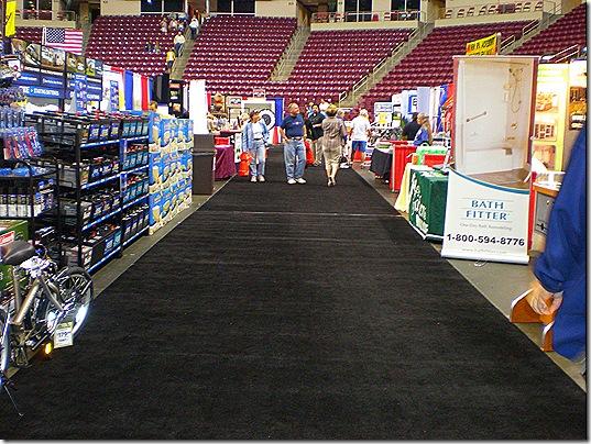 Empty aisle 3