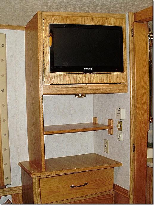 Finished bedroom cabinet
