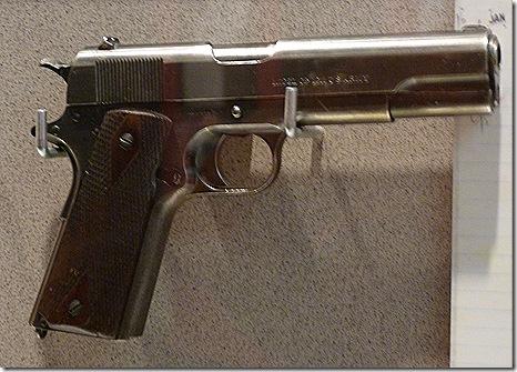 Squeaky pistol