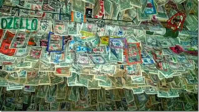 No Name Pub money3