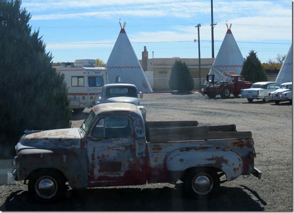 Tipi Motel