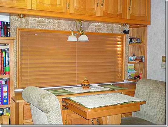 Livingroomblindsclosedbest_thumb