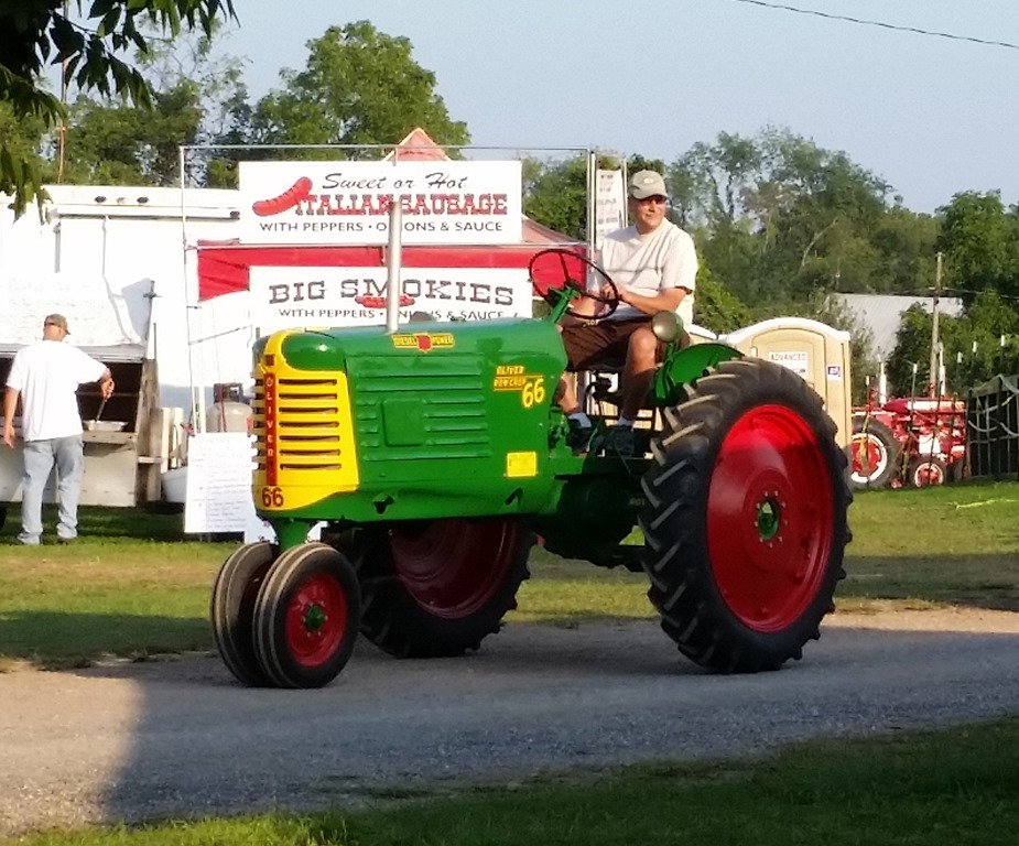 A lot of tractors gypsy journal rv travel newspaper apparently restoring tractors is kind of like restoring old cars but id prefer a sunday cruise in a vintage mustang or t bird than this old john deere fandeluxe Choice Image