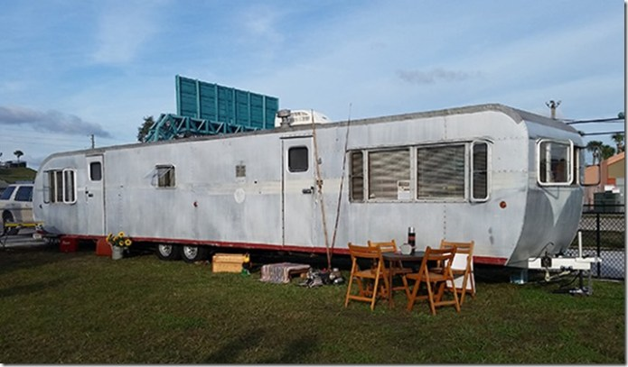Pontiac Chief trailer