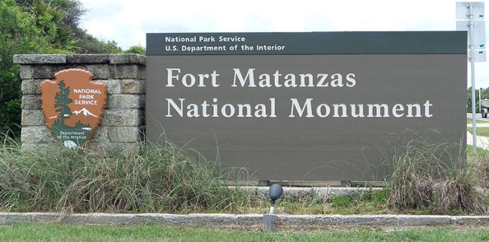 Fort sign small